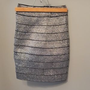 NWOT H&M silver shimmer stretch skirt, sz 2